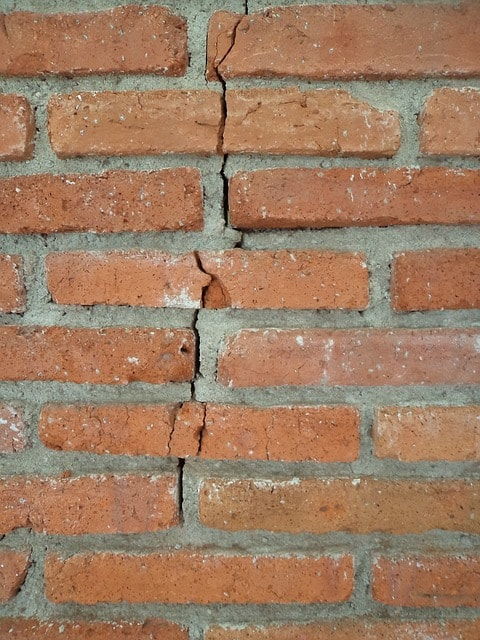 cracked bricks, cracked brick repair